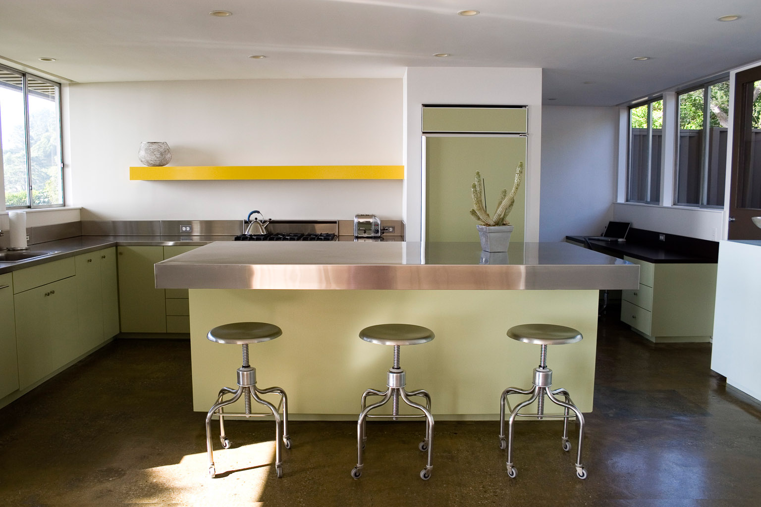 Chrome Kitchen with 3 Stools